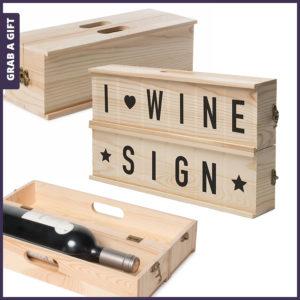 Grab a Gift - Wine Sign van RackPack graveren met logo