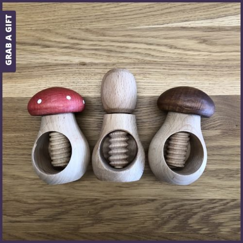 Grab a Gift - Grab a Gift - Houten notenkraker graveren met beeldmerk als relatiegeschenk
